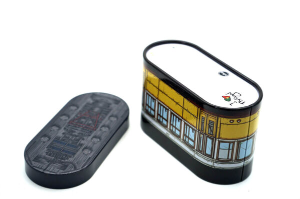 Customized tin containers in bulk wholesale bottom and cap show
