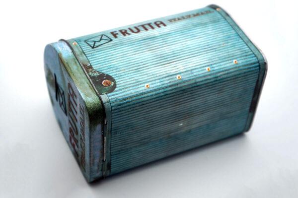 Metal tin gift boxes bulk wholesale side show